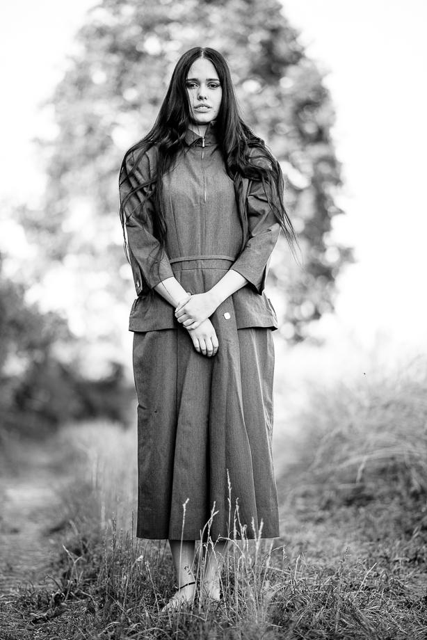 Portraitserie in der Natur schwarzweiss