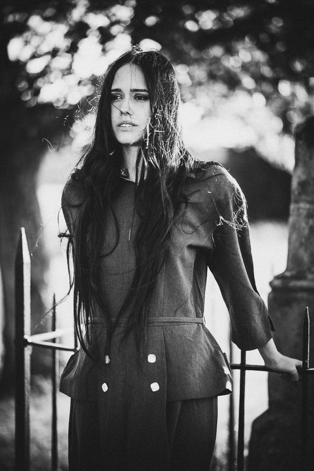 Frau Outdoor Model Portrait