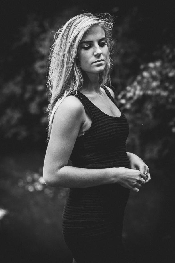 Frauen-Porträt im Sommer