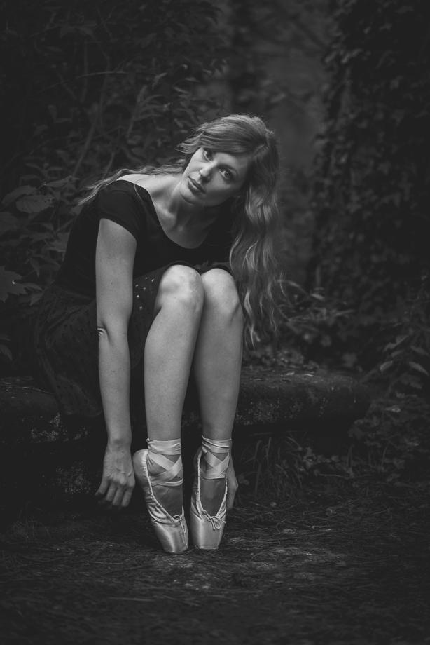 Portrait Frau Ballerina SW Schwarzweiss